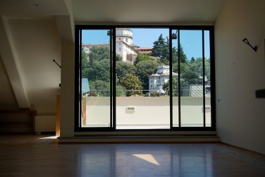 Appartamento di pregio ristrutturato con terrazzo con vista Cappuccini affittiamo