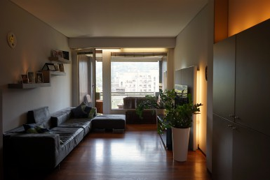 Appartamento in elegante condominio con terrazzo vista sulla collina molto luminoso