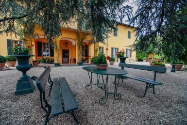 Grande villa d'epoca con parco privato a Moncalieri